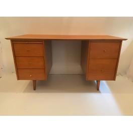 Paul McCobb Planner Group maple desk w/ chair  c. 1955